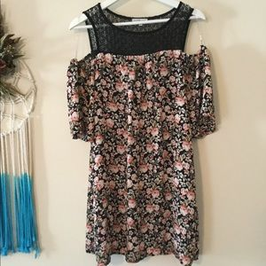 Charlotte Russe peekaboo shoulder floral dress